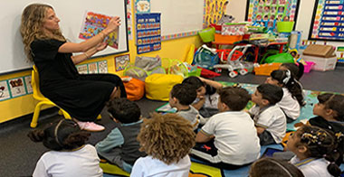 Reading-story-at-Ignite-School